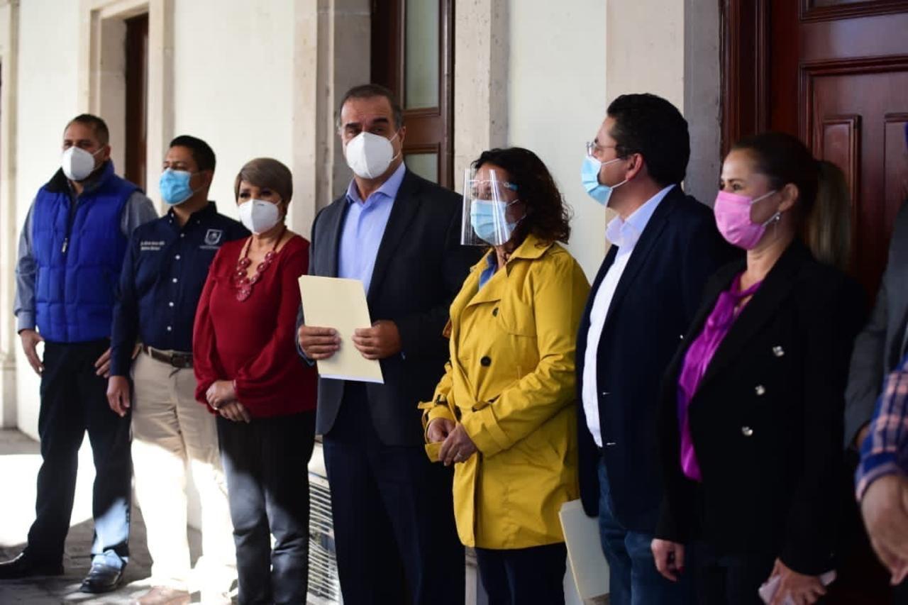 Alcaldes y alcaldesas de Durango piden a legisladores federales respaldo a municipios.